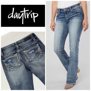 Daytrip Virgo Bootcut Jeans 👖